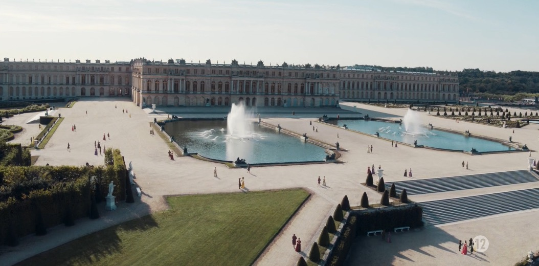 Versailles S3 Ep1 The One With The Iron Mask Set Up